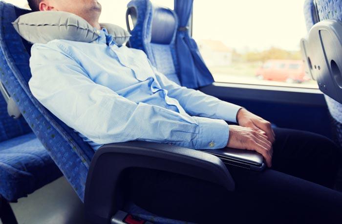 сон в транспорте