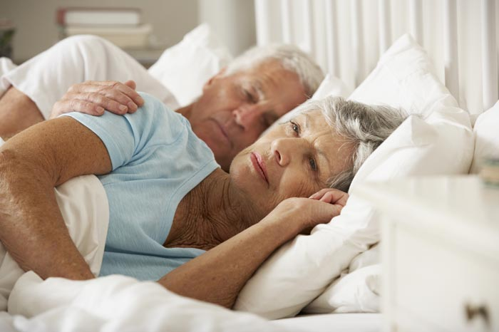 Народные средства от бессонницы для пожилых
