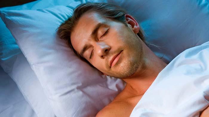 Почему мужчина ночью сильно потеет