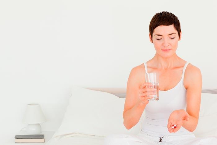 Что поможет от бессонницы в домашних условиях? Какие лекарства и народные средства помогают при бессоннице?